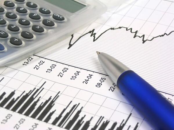 Ved at blande aktier og obligationer er der lavere risiko for at opnå store tab (foto pengeskolen.dk)